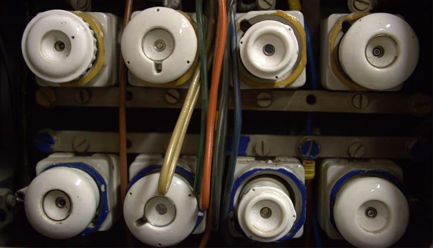 Digitala strömbrytare